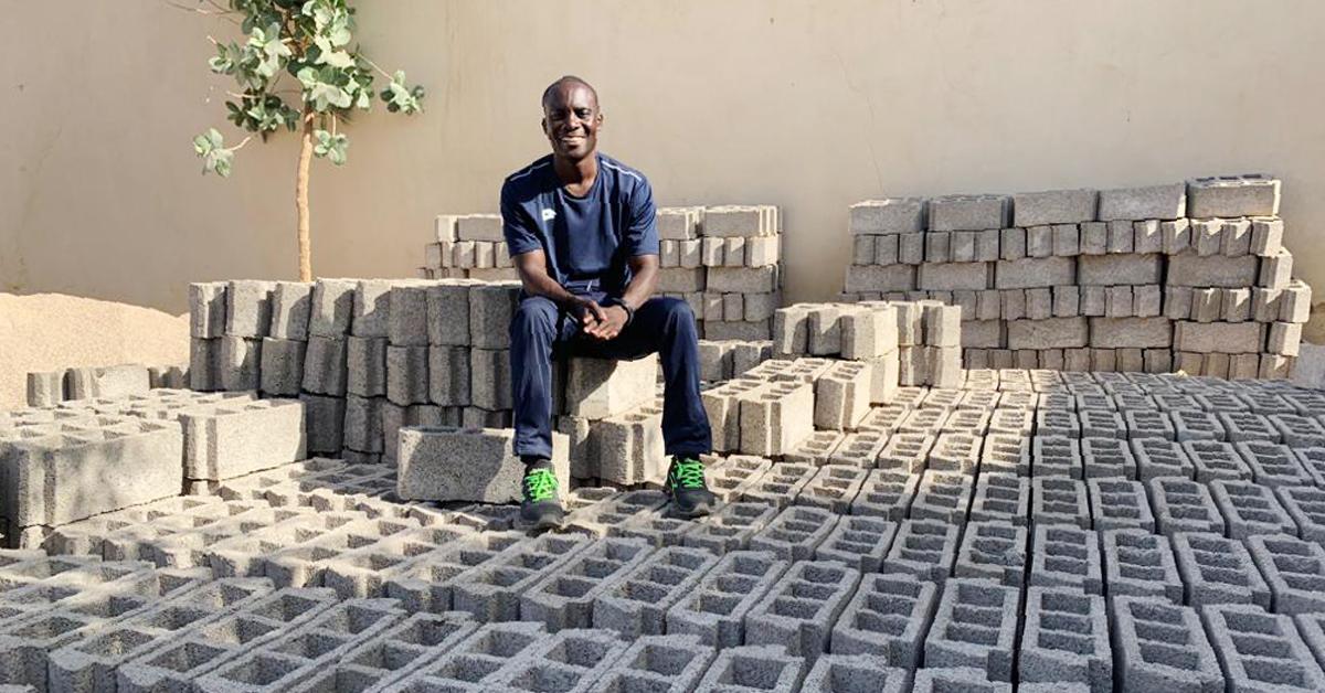 Corrispondenze dal Senegal: fiocco rosa in cantiere