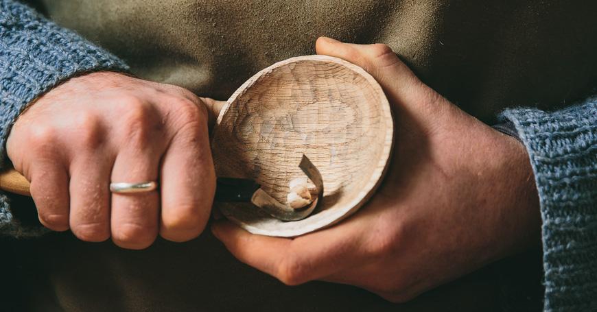 I manuali delle Ecofficine. Lavorare il legno: piccoli falegnami e moderni intagliatori